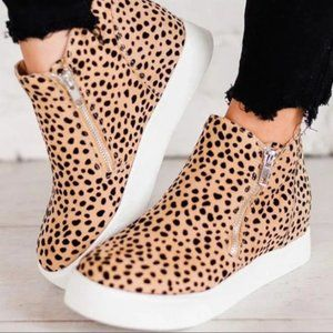 Shoes - HIDING OUT SNEAKER WEDGE-LEOPARD